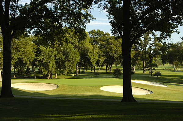 No. 7                    384 Yards, Par 4                   A second relatively short par 4, the 7th requires a blind tee shot to the crest of a hill. From there, players are left with a short-iron to a narrow green that has bunkers on the left and right. A fairway wood off the tee that finds the fairway should give players a good chance to make birdie.