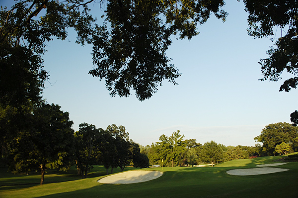 No. 10                    366 Yards, Par 4                   A controlled draw will be the shot of choice for right-handed players at this short par 4. Turning the ball from right to left will avoid the trouble off the right portion of the fairway and leave a short iron to an elevated, two-tier green. For players who find the left side of the fairway, this is a birdie hole.