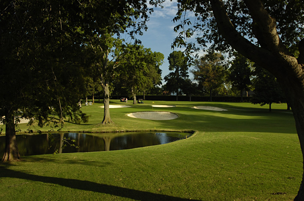 No. 16                    507 Yards, Par 4                   In contrast to several of the other par 4s, this one is long and requires a powerful, accurate tee shot. To get a good look at the green, players must reach the slope 245 yards from the tee. The green is one of the smallest on the course and features four menacing bunkers. The pond short and left should not come into play for most players.