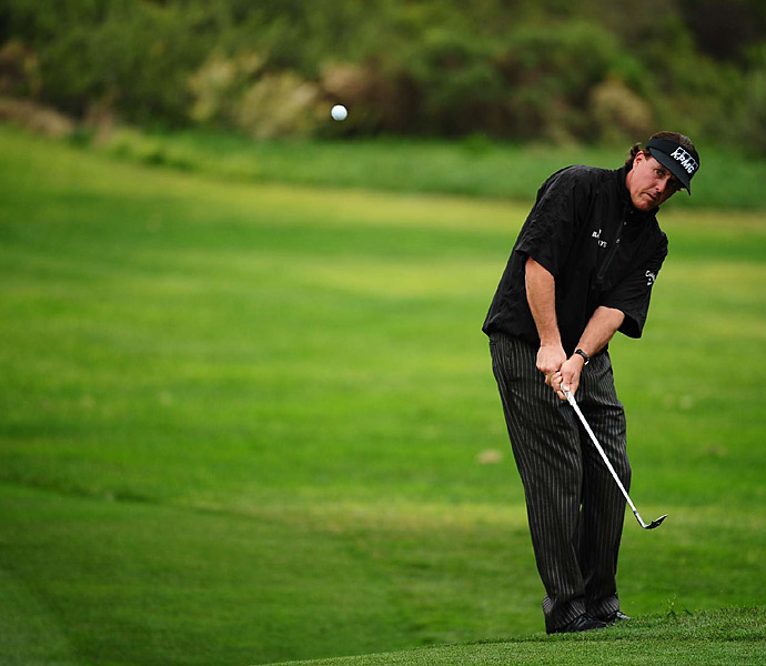 Phil Mickelson struggled to an opening-round 72 on the North Course.Phil Mickelson struggled to an opening-round 72.