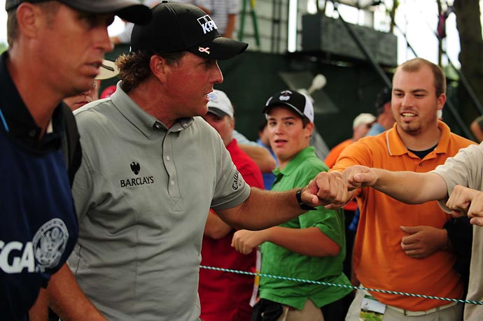 Phil Mickelson with his army at the 2009 U.S. Open at Long Island's Bethpage Black.