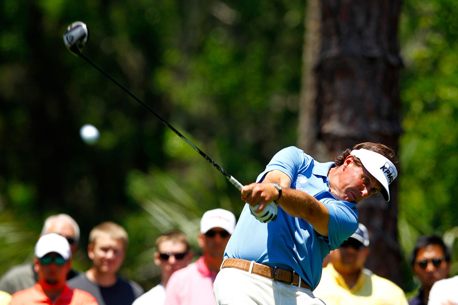 Phil Mickelson shot a one-under 71.