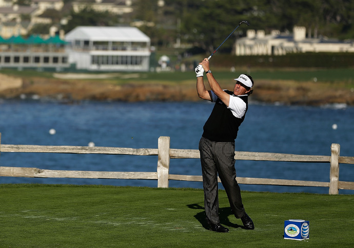 Phil Mickelson barely made the cut after a triple bogey on 18.