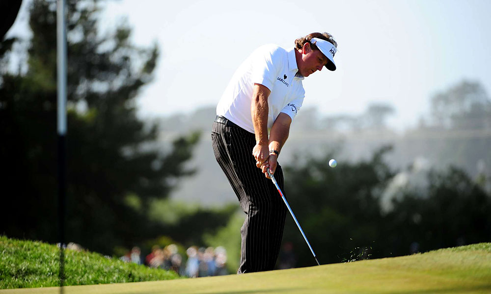 After a first round 76, Mickelson needed a good round Friday to make the cut.