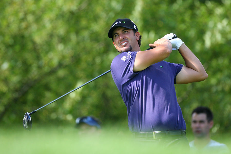 On Friday, Scott Piercy shot a three-under 67 in the second round to tie William McGirt for the lead.