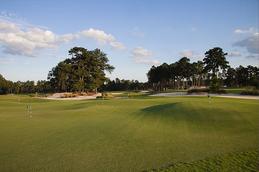 Thistle Dhu was built by Toby Cobb and Dave Axland, associates of Bill Coore and Ben Crenshaw.