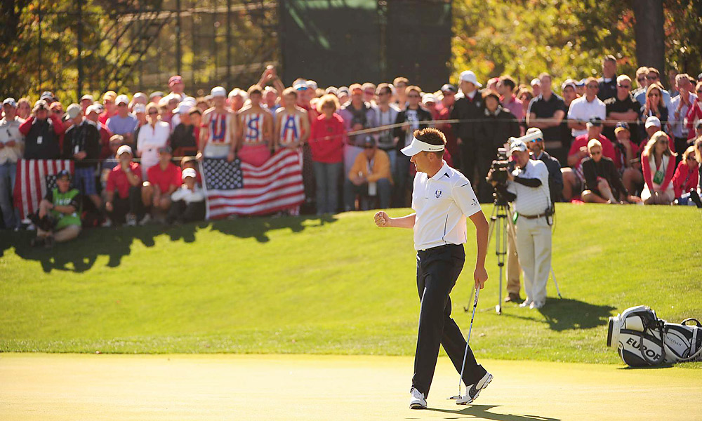 Ian Poulter improved his record at this Ryder Cup to 4-0-0 by dispatching Webb Simpson, 2 up.