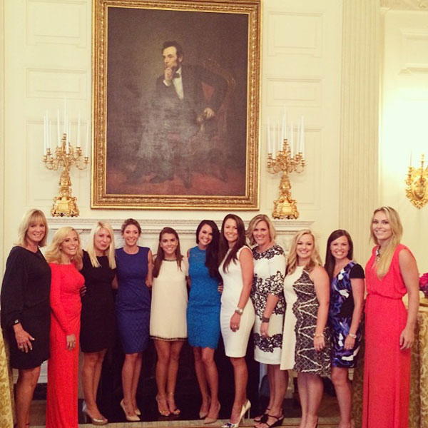 @aduf99: The ladies at the White House. #tourwives#whitehouse #instagrampolice @jillianfstacey@annie_verret @kimalajohnson @kandimahan@juliehaas11 @lindseyvonn