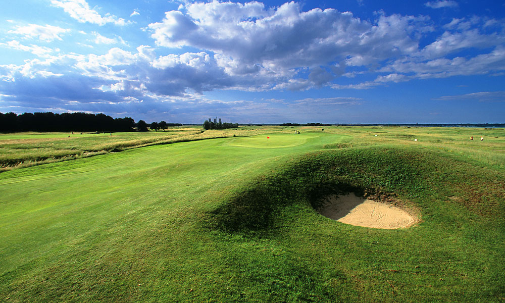 Princes Located close to Sandwich, Princes hosted one Open: in 1932 Gene Sarazen was a wire-to-wire winner.