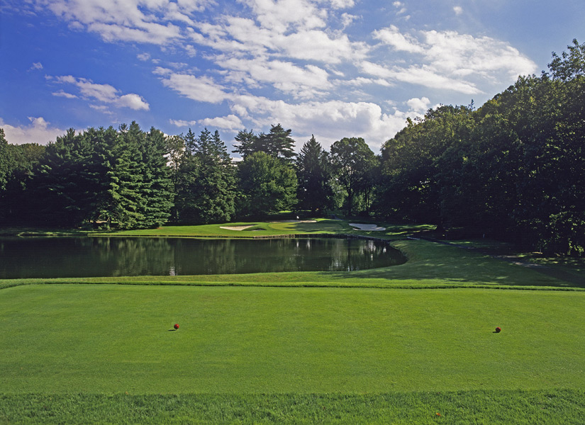 Shower Power Award                       To wax esoteric, the best shower-room water pressure among our Top 100 Courses in the World belongs to Quaker Ridge in Scarsdale, N.Y. I can still feel those cleansing bee-sting beads of H20.