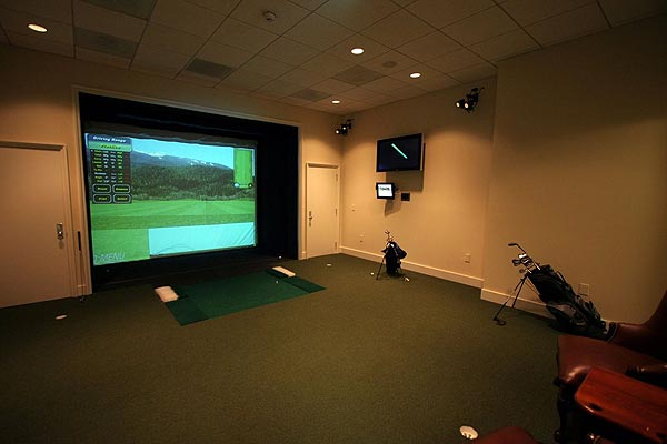 If the weather isn't fit for golf, there is also an indoor golf simulator.