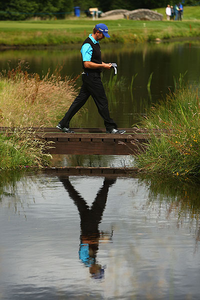 Retief Goosen managed a 73 in a rocky round that included a four-putt double bogey on No. 10.