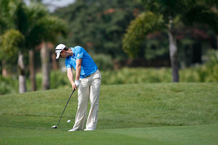 Justin Rose started the day tied for the lead, but he struggled to a one-over 71.