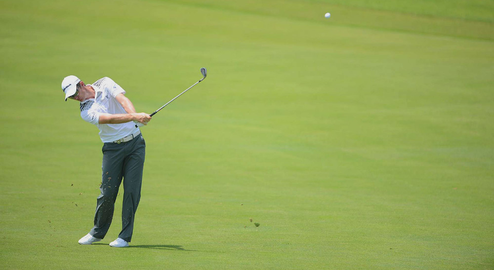 Justin Rose got off to a hot start, but he closed with two bogeys for a two-under 70.