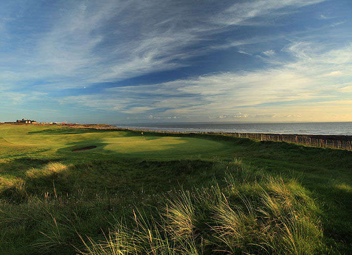 Here are the 30 greatest links courses in the world, as voted by Golf Magazine's Top 100 course ranking panel.30. Royal Porthcawl, Porthcawl, Wales: Bob Hope competed in the 1951 British Amateur here, but Tiger Woods found little humor in his Day 1 singles loss at the 1995 Walker Cup. Ranked 95th in the world, this rumpled H.S. Colt redesign opens with three stout par-4s along the beach, where the Atlantic Ocean meets the Bristol Channel. Porthcawl then turns inland, traversing higher ground, but never lets up.