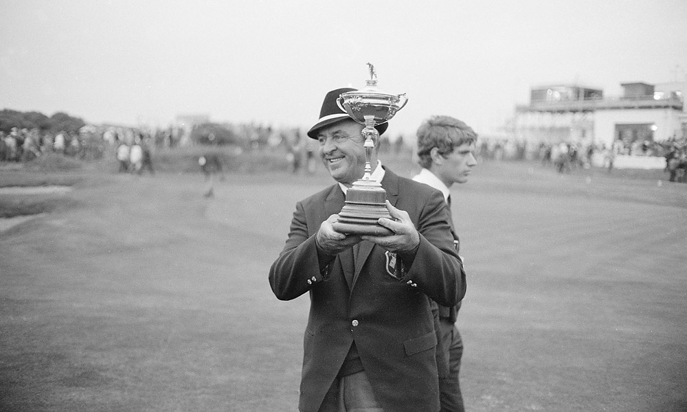 Sam Snead, Ryder Cup Record: 10-2-1                       Slammin' Sam's .808 point-per-match average is among the best in U.S. team history. Snead was a three-time captain, holding the position in 1951, 1959 and 1969.