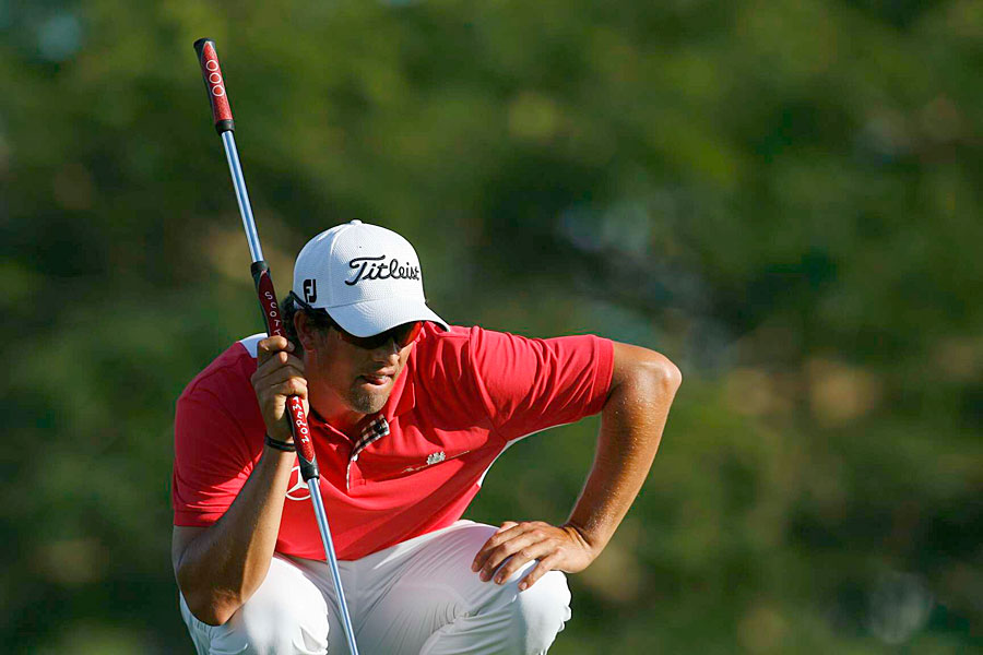 Adam Scott finished bogey, bogey, double bogey to fall out of contention.
