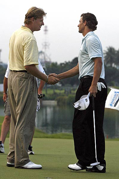 In 2006, Scott successfully defended his title at the Singapore Open. He held off Ernie Els in a playoff at the rain-shortened tournament.