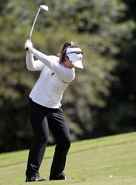 Shanshan Feng shot a 4-under 68 to finish one stroke off the lead.