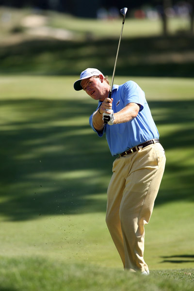 Ernie Els made a move with two opening birdies, but he struggled on the back nine and finished tied for third.