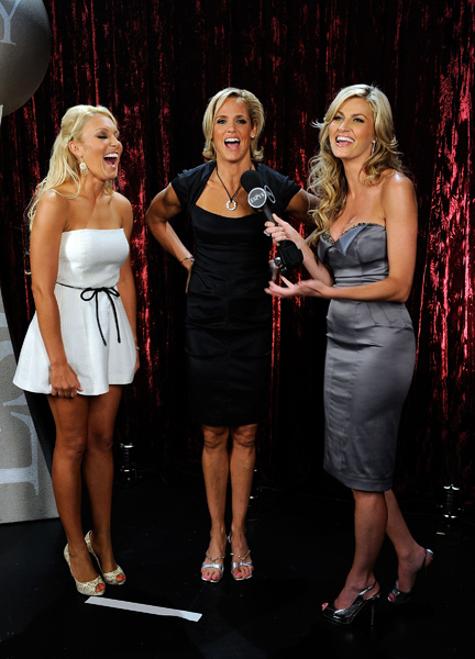 After presenting an award with Olympic swimmer Dara Torres, center, Gulbis, left, was interviewed by ESPN's Erin Andrews.