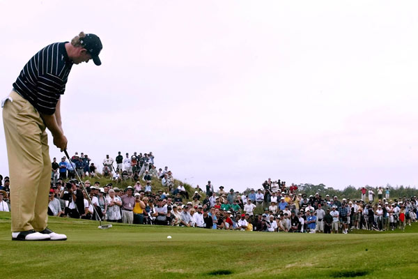 2.  Fancourt, South Africa, 2003. With Woods in for par, the pressure fell on Els, who was playing in his home country. He would later say it was the only time his legs ever felt wobbly on a golf course. Regardless, Els drained the putt to maintain the tie.