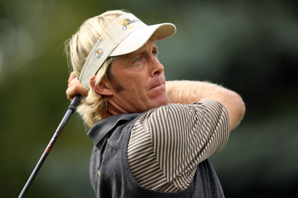 Stuart Appleby                       Overall record: 2-3-0                       Points earned: 2                       Grade: C+                       Appleby and Vijay Singh were great in the four-ball matches, demolishing Tiger Woods and Jim Furyk on Friday and edging Steve Stricker and Hunter Mahan on Saturday. But his 2-and-1 loss to Charles Howell III in singles was surprising. Appleby can be streaky, but he has a solid game, so it's puzzling that he now has an abysmal 5-14-2 record in the Presidents Cup.