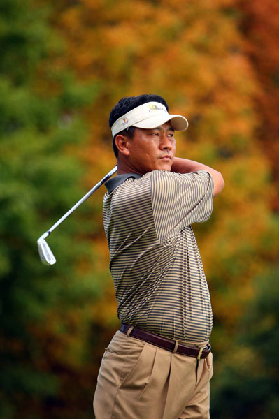 K.J. Choi                       Overall record: 1-3-0                       Points earned: 1                       Grade: D                       Choi won the Memorial and the AT&T National, but he was in danger of being the only player in the competition without so much as a half point until he rallied to win his singles match against Hunter Mahan, 3 and 2. Choi's game seemed to lack rhythm, and he never really got going. For a player who is usually laser-straight off the tee and can be a lights-out putter, this week's performance has to be very disappointing.