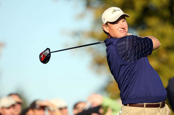 Ernie Els                       Overall record: 3-2-0                       Points earned: 3                       Grade: B                       He looked asleep during his foursome loss with Angel Cabrera on Thursday, and at times during Friday's four-ball win he looked like he was simply trying to stay out of Mike Weir's way. But as the competition wore on, Els improved, and he made five birdies in eight holes to come back against Lucas Glover on Sunday. That said, it would have been nice to see a little more fight from Els when he and Adam Scott lost to Jim Furyk and Tiger Woods in Saturday's foursome match, 4 and 3.