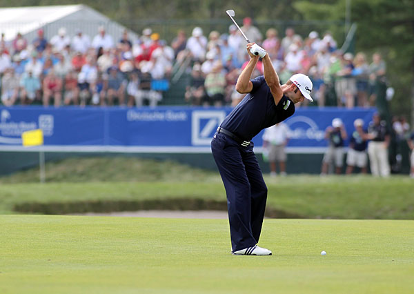 Dustin Johnson struggled in the second round, finishing with an even-par 71.