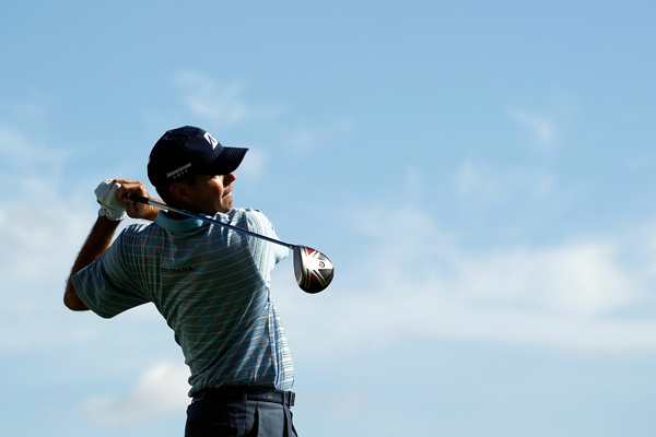 continued his impressive play, opening with a 7-under 64.