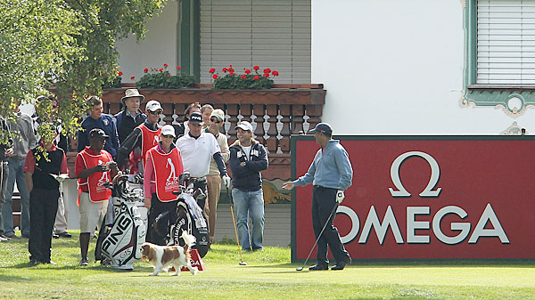 Jeev Milkha Singh lost a ball after a dog stole it at the 2010 Omega European Masters.