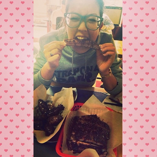 """Michelle loves ribs...and she shared her love for them several times in 2014. Michelle: """"I like pig butts and I cannot lie #fullrack #LPGAdayinthelife"""""""