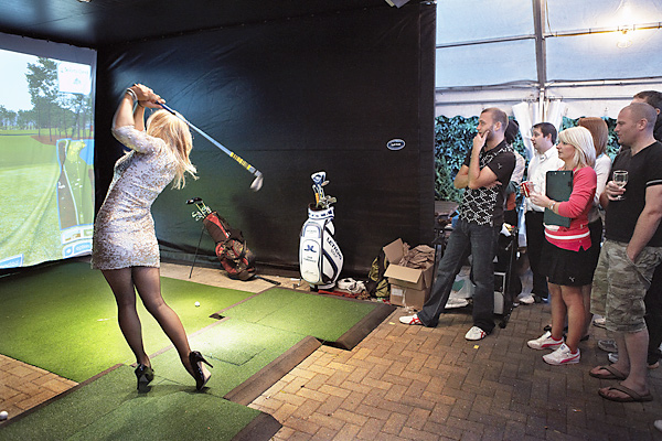 After play was finished, sodden, rowdy lads gathered at the Rule, a pub in town, to be humiliated on a golf simulator in closest-to-the-pin contests against Sophie Horn, columnist for the U.K. magazine GolfPunk.