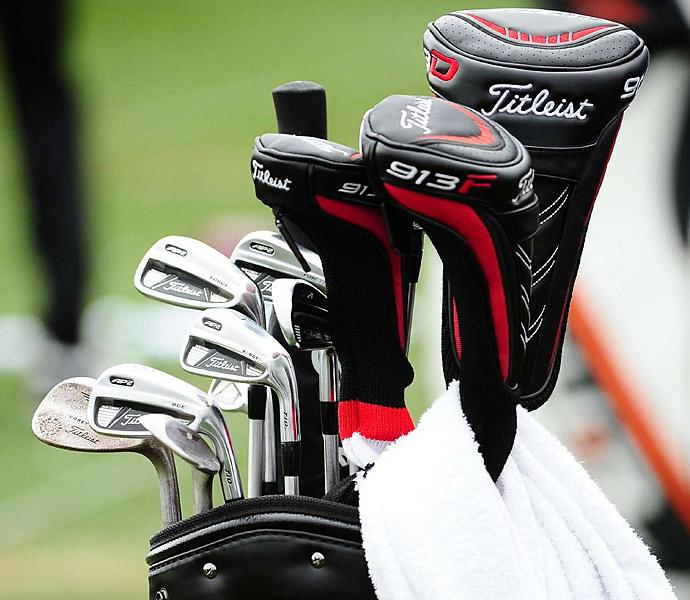 Steve Stricker pairs Titleist AP2 irons with 913F fairway woods.