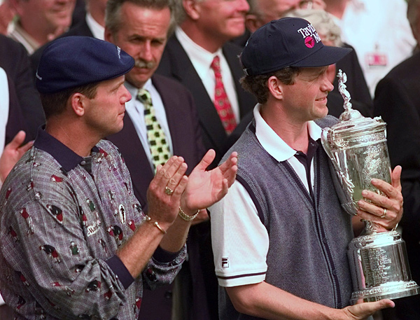 Stewart was known for his smooth swing, plus fours and sportsmanship, like when he narrowly lost the 1998 U.S. Open to Lee Janzen.