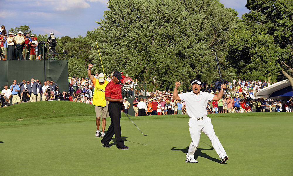 Heading into Sunday with the lead at the 2009 PGA Championship, Woods had never lost a major with the 54-hole lead. But Y.E. Yang delivered one of the biggest upsets in golf history by firing a two-under 70 to beat Woods by three strokes. Woods shot a three-over 75, including bogeys on 17 and 18.