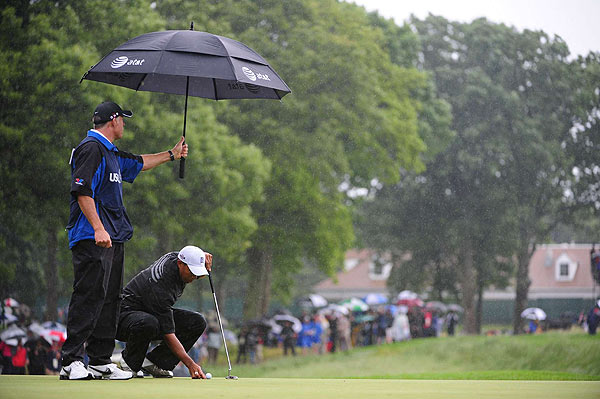 Before play was suspended, Woods double-bogeyed the par-4 fifth and birdied the par-4 sixth. He is one over.