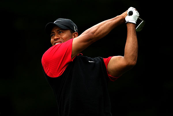 Tiger Woods picked up two strokes in the third round, shooting 68, to move to one over par.