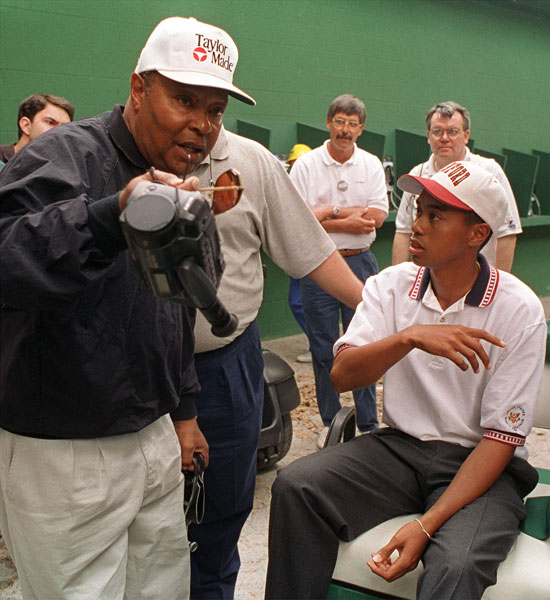Tiger Woods won his first Masters in 1997, but that wasn't his first time playing at Augusta. His father, Earl, was with him in 1995 when Tiger made his Masters debut as the reigning U.S. Amateur champion.