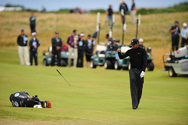 Tiger Woods tossed a club in disgust on his way to missing the cut at the 2009 British Open.