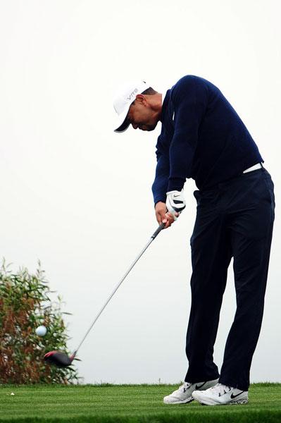 Tiger Woods atypically struggled on the par 5s at Torrey and shot 71, 9 shots back of leader Jordan Spieth.