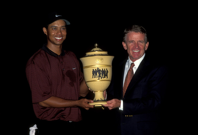Woods defended his title at Firestone with an unforgettable closing birdie in the dark at the 2000 Bridgestone Invitational.
