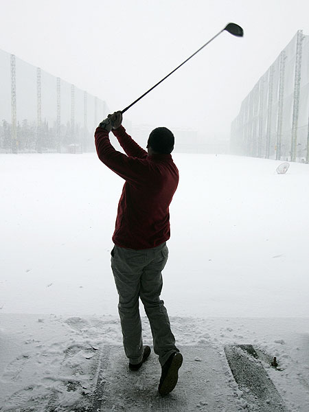It's been a cold week for professional golfers, even for those who live in Florida.                                               JakeTrout Got to practice for the first time since Thursday but still had to wear pants and a wool sweater - I didn't even know I had sweaters here! (4:37 p.m. Jan. 11)                                               TrevorImmelman Chance of snow in Orlando today.... So much for global warming? Anybody have Al Gore's number, I have a few questions. #fb (10:17 a.m. Jan. 9)