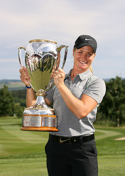 SuzannPettersen My 2009 CN Canadian Womens Open trophy just came in the front door with fedex, nice surprise!! that was a great week!!!! (7:46 a.m. Oct. 29)                                          Pettersen won the tournament in early September.