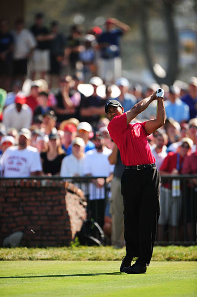 For the first time during this tournament, Woods hit the fairway on the first hole.