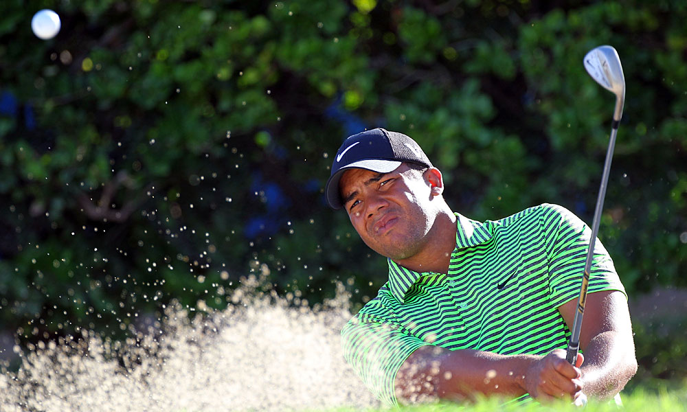 Jhonattan Vegas rebounded from two early bogeys to shoot a 67.