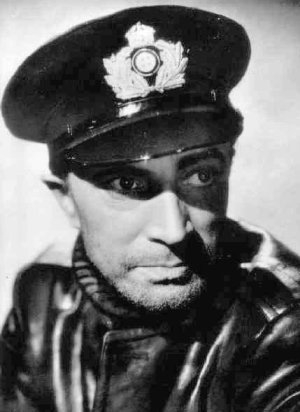 Casablanca Actor Dies Mid-Round in 1943                     Of all the courses in all the world, he had to have a heart attack on this one. As the real war with Germany raged overseas, Conrad Veidt, who played Major Strasser, the Nazi sycophant, in Casablanca, suffered a fatal coronary while playing the Riv.