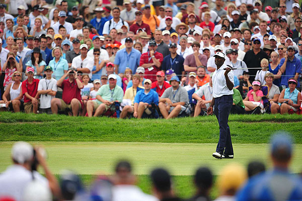 putter failed him Saturday. He took 33 putts in his third-round 75.