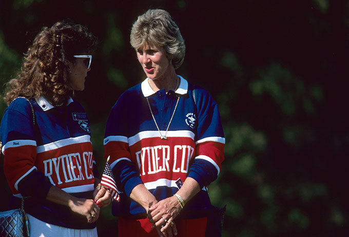 It's easy to tell who Barbara Nicklaus is rooting for at the 1987 Ryder Cup.